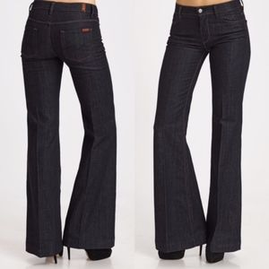 7FAM Ginger Flare/Bell Bottoms Jeans in Dark Wash